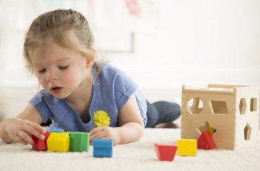 Как выбрать развивающую игрушку?